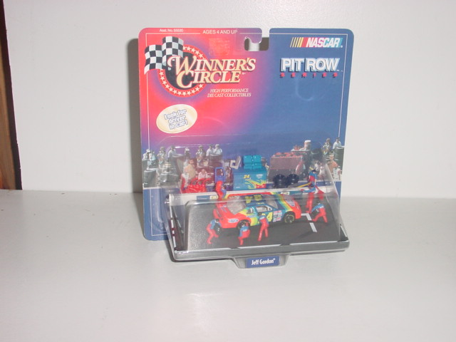 "1998 Jeff Gordon 1/64th Dupont ""Car on Jack"" Pit Row"