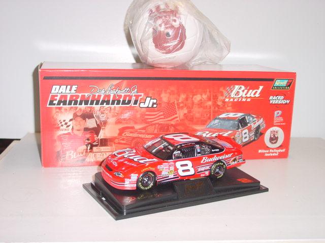"""2001 Dale Earnhardt Jr 1/24th Budweiser """"Wilson"""" c/w car"""