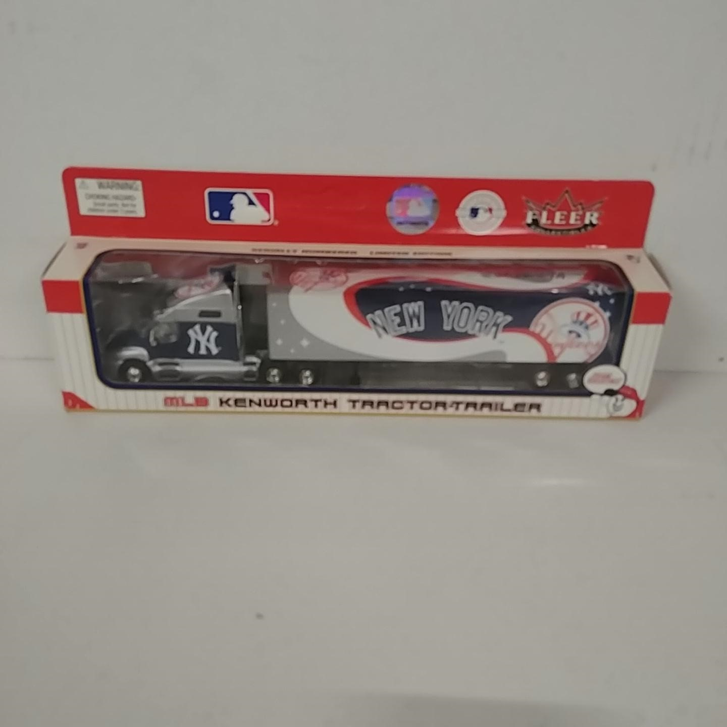 2004 New York Yankees 1/80th Hauler