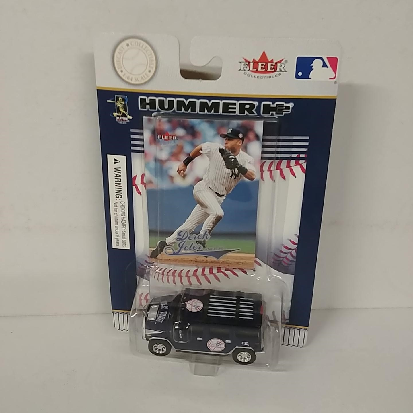 2004 New York Yankees 1/64th Hummer with Derek Jeter trading card