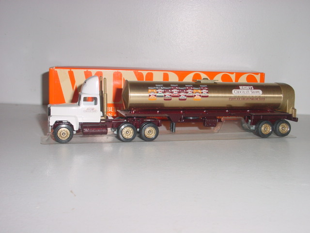 Hershey 1/64 Chocolate Shoppe Winross hauler