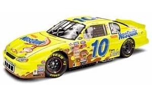 2000 Jeff Green 1/24 NesQuik c/w car