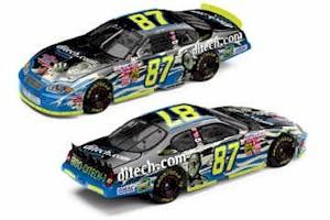2003 Kyle Busch 1/24 Ditech.com/Monsters c/w car