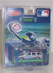 2000 New York Yankees 1/64th MLB GMC Yukon