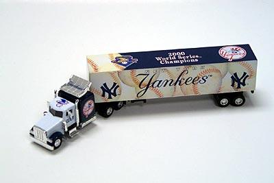 2001 New York Yankees 1/80th collectible hauler