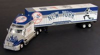 2003 New York Yankees 1/80th Collectible MLB hauler