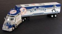 2003 New York Yankees 1/80th Collectible MLB hauler
