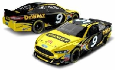 2013 Marcos Ambrose 1/64th Stanley Pitstop Series car