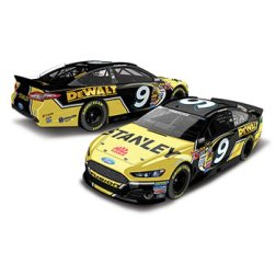 2014 Marcos Ambrose 1/64th Stanley Pitstop Series car
